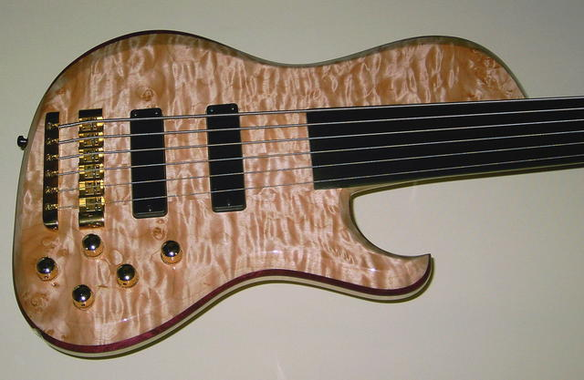 High Gloss 6-String Body Quilted Maple - Amaranth
