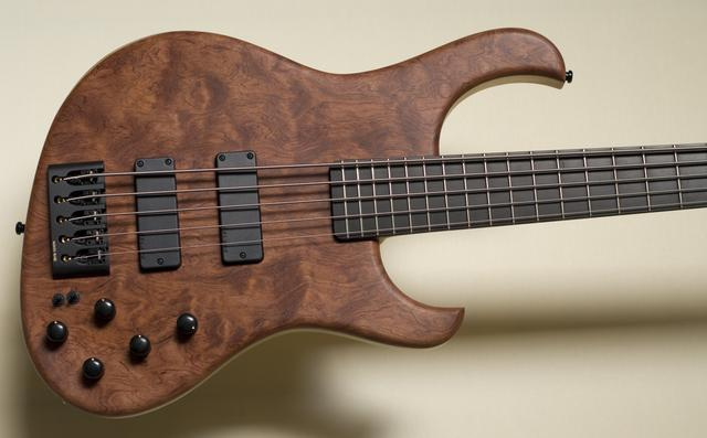 """JbX"" 5-String Bass, Pommele Bubinga Top"